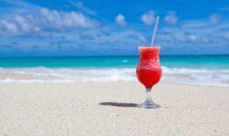 Klæd dig ud til sommerfesten med Hawaii tema